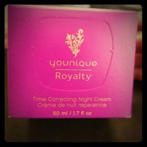 Younique Royalty Time Correcting Night Cream